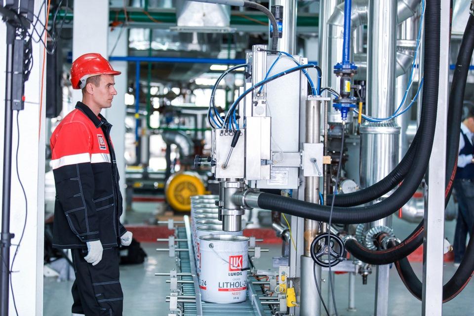 ЛУКОЙЛ выпустил специальные смазочные материалы для оборудования пищевой промышленности