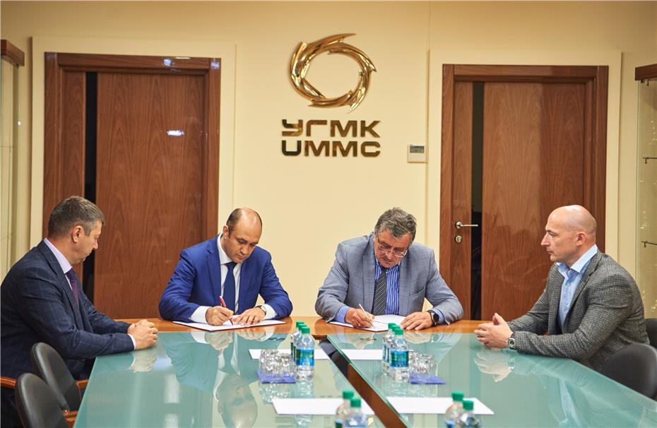 Лукойл и УГМК проведут испытания моторного масла в современных тепловозных двигателях